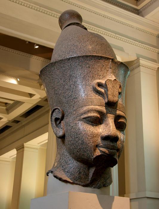 England_London_-_The_British_Museum_Egypt_Egyptian_Sculpture___Colossal_granite_head_of_Amenhotep_III_Room_4.2-Week-2